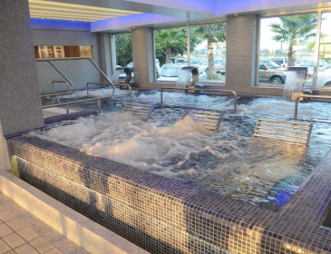 Hydro-therapy pool